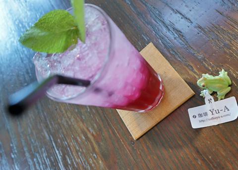本降りの少し前は、「紫蘇ジュースのあるおやつどき。」だったのに…。