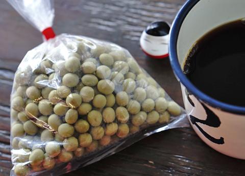 山形県からようこその青大豆です。ひょっとすると珈琲の相棒になるやもしれません!?…。