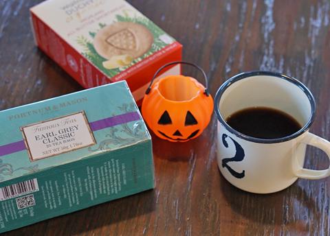 EST 1707の紅茶に7周年のゆーあブレンドが挑みました↑…。