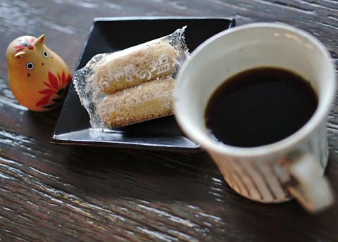 珈琲の好敵手、紅茶も塩でなく砂糖でしょっ↑…。